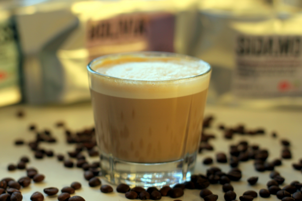 Et stk. latte, og nej jeg har ikke lavet et blad eller andet, det er bare skum...
