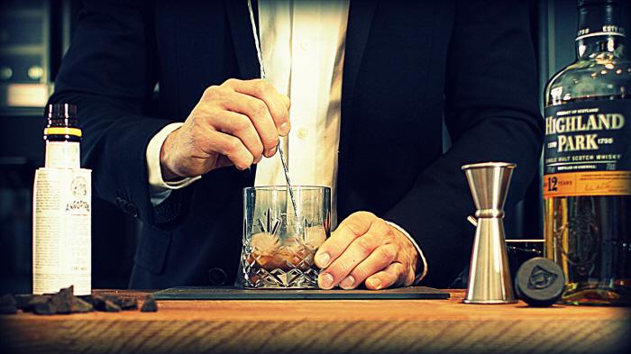 Gastromand as bartender...