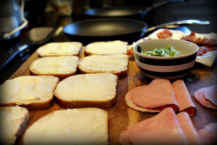The Mac N Cheese Sandwich (21)