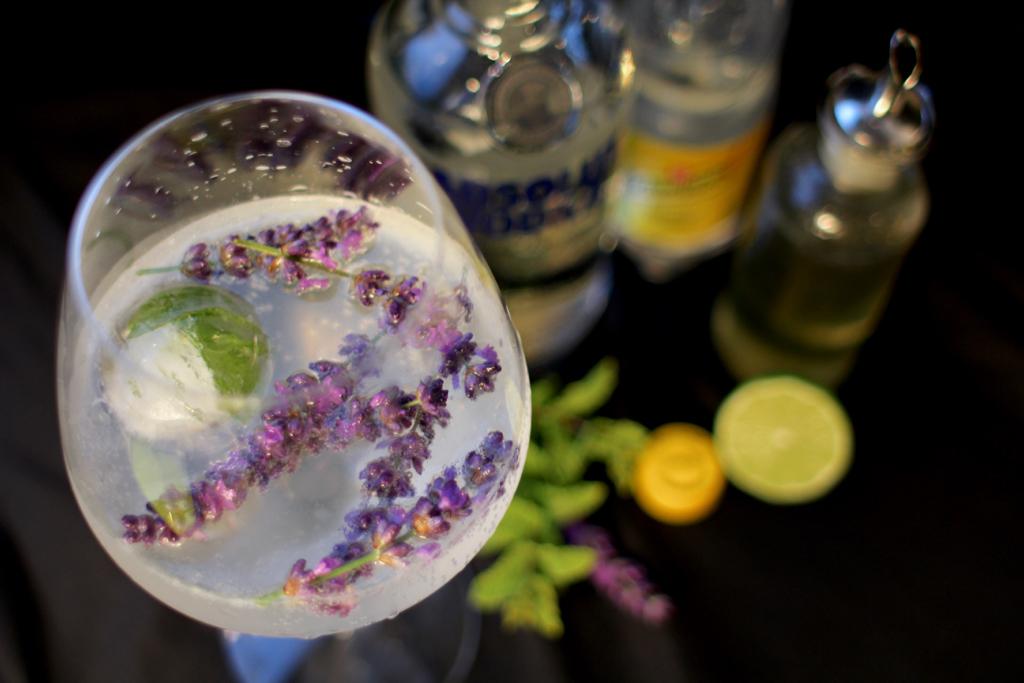 To kølige cocktails der hitter i ferien