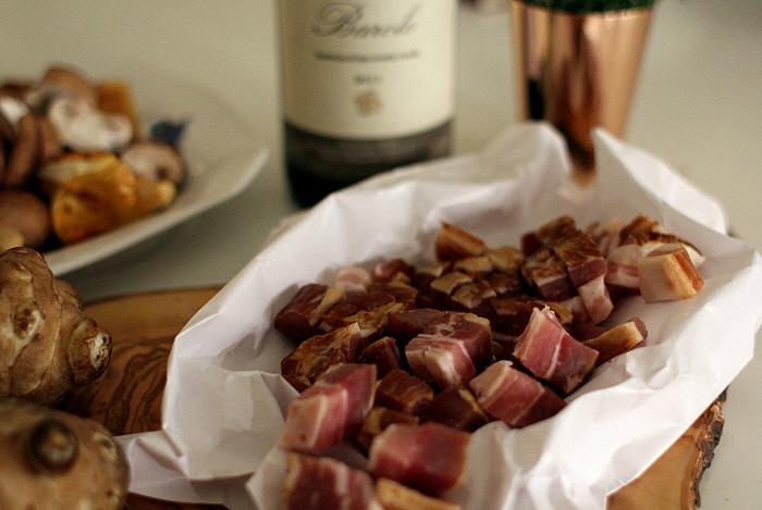 Vintermad: Fasan bryst, puré, kål og bacon
