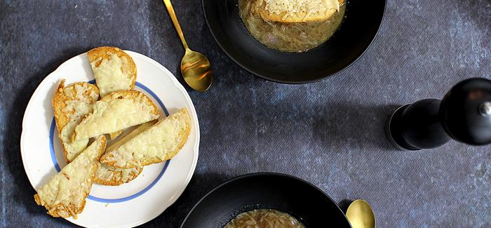 Bondemad: Fransk Løgsuppe med ostegratineret brød