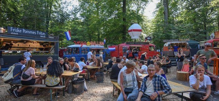 Jagten på Danmarks Bedste Festivalsnack: Bøgetræer og baljevis af mad på Smukfest