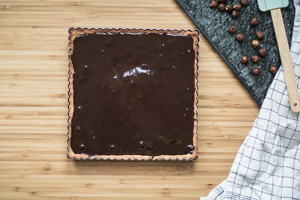 Nem Chokoladetærte med hasselnødder