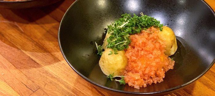 Nye kartofler, æggeblomme & stenbiderrogn