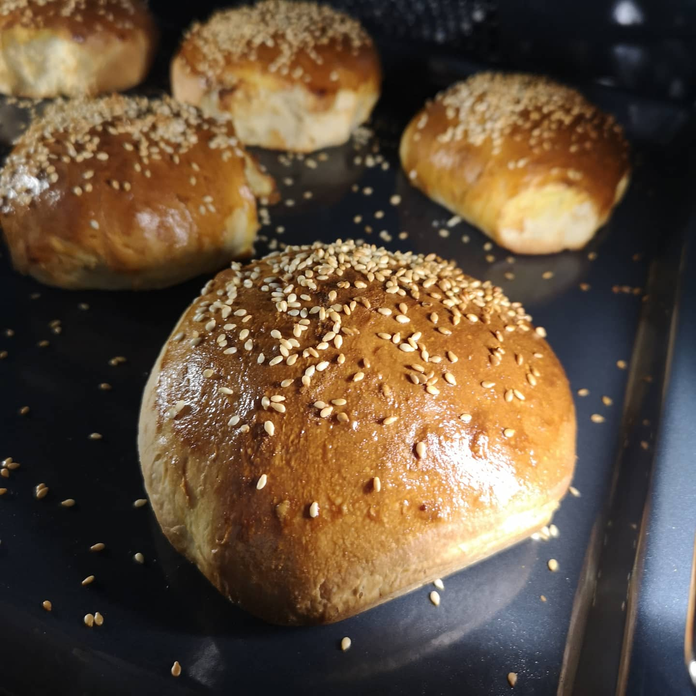 Burgerboller: Opskriften på perfekte, søde og bløde burgerboller